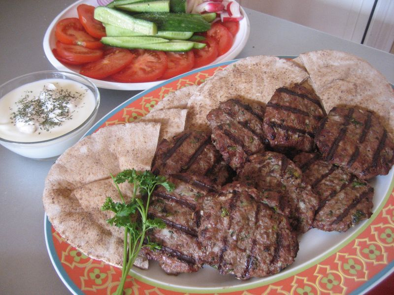 Juicy afghan burgers chapli kebab afghan culture for Afghan cuisine menu