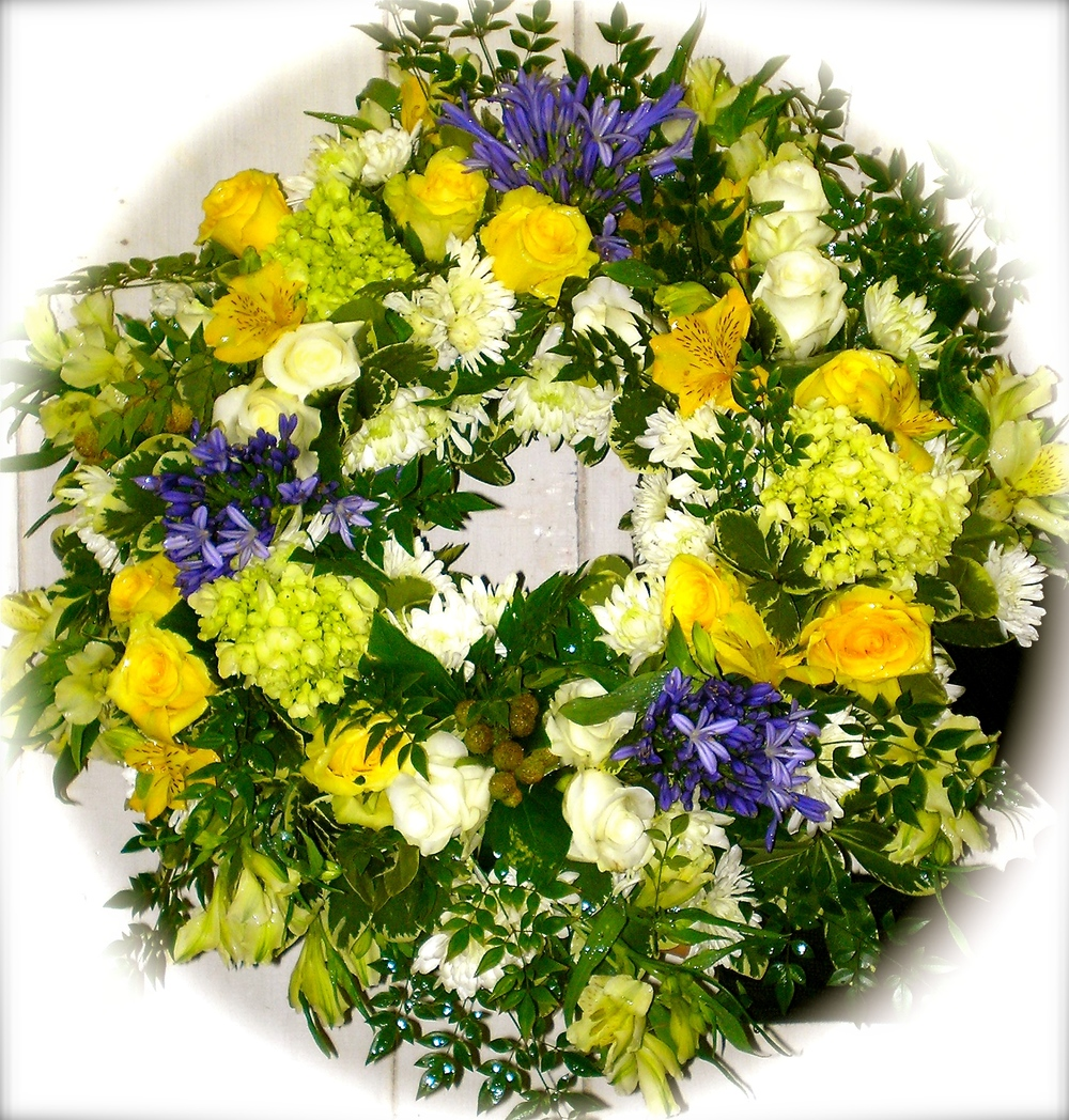 Open Wreath in Yellow, Blue & White