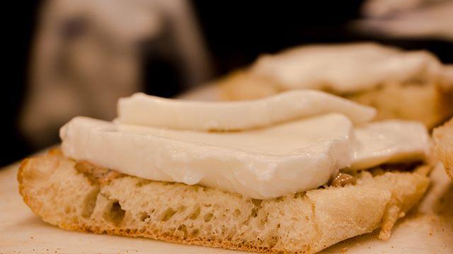 Creating your favorite sandwich at Ciabatta Bar👨🍳🍅🥩🍃🧀🥪 📷: @thepicsbox  #ciabattabar #LA #lafoodie #losangeles #losangelescalifornia #california #californiafoodie #sunsetblvd #hollywood #hollywoodblvd #hollywoodfood #italianrestaurant #photography #foodporn #foodphotography #foodphoto #food #pizza #pizzalover #italianfood #mozzarella #sandwich #prosciuttocrudo #prosciutto