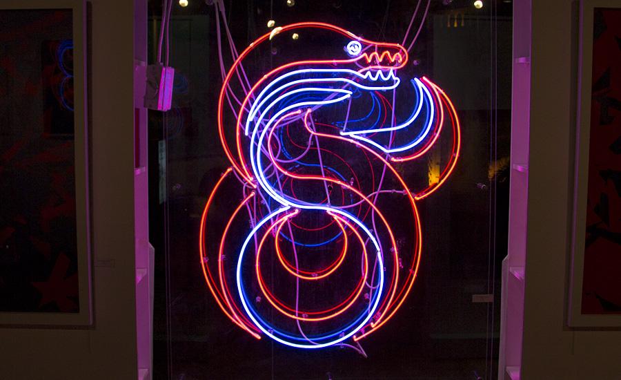 neon-electric-eel-04.jpg