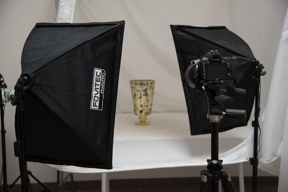 Bryan_Miraflor_Photography_Fovitec_Studio_Pro_850w_Auto_Pop_Up_Softbox_Lighting_Kit_Before_After_Gold_Vase_20160811_0001.jpg