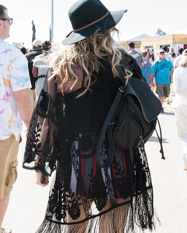 Check out fashion and fun from @jazzfest 2017 coming to the site soon! 📸: @marshaltazan #felicitymag #jazzfest17 #jazzfestfashion #nolafashion #festfashion