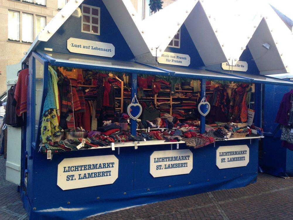 Stand Weihnachtsmarkt.jpg