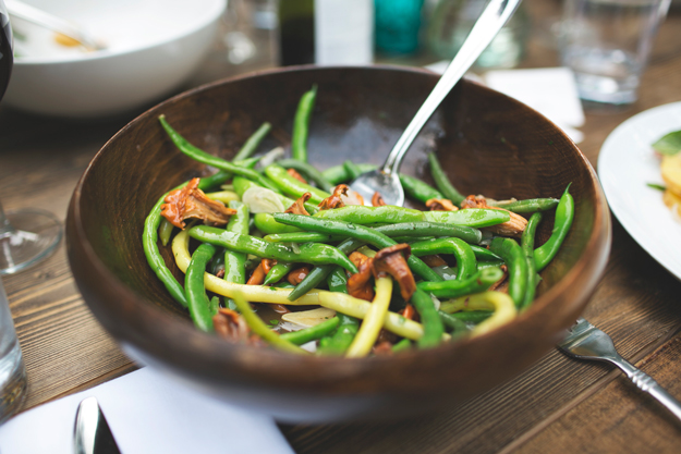 chanterelle-mushrooms-and-green-beans