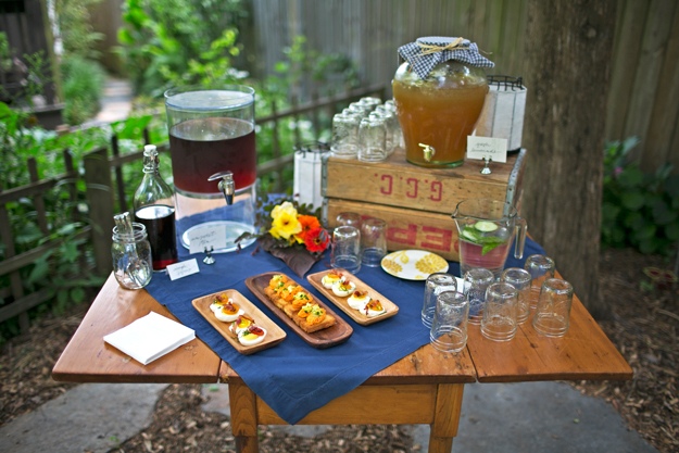 garden-snack-&-drink-table