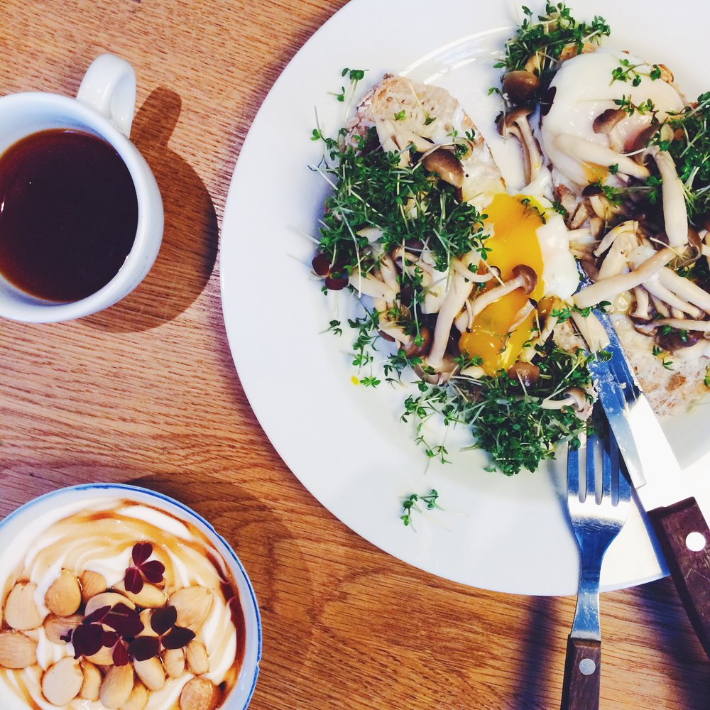 THE COFFEE COLLECTIVE - Godthåbsvej location has great food & coffee pairings.