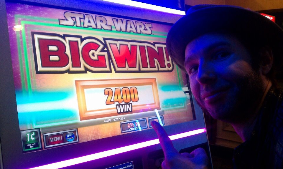 """BIG WIN"" for Robin's first Slot experience…and even on the Star Wars machine! (heh heh heh…Slot)"