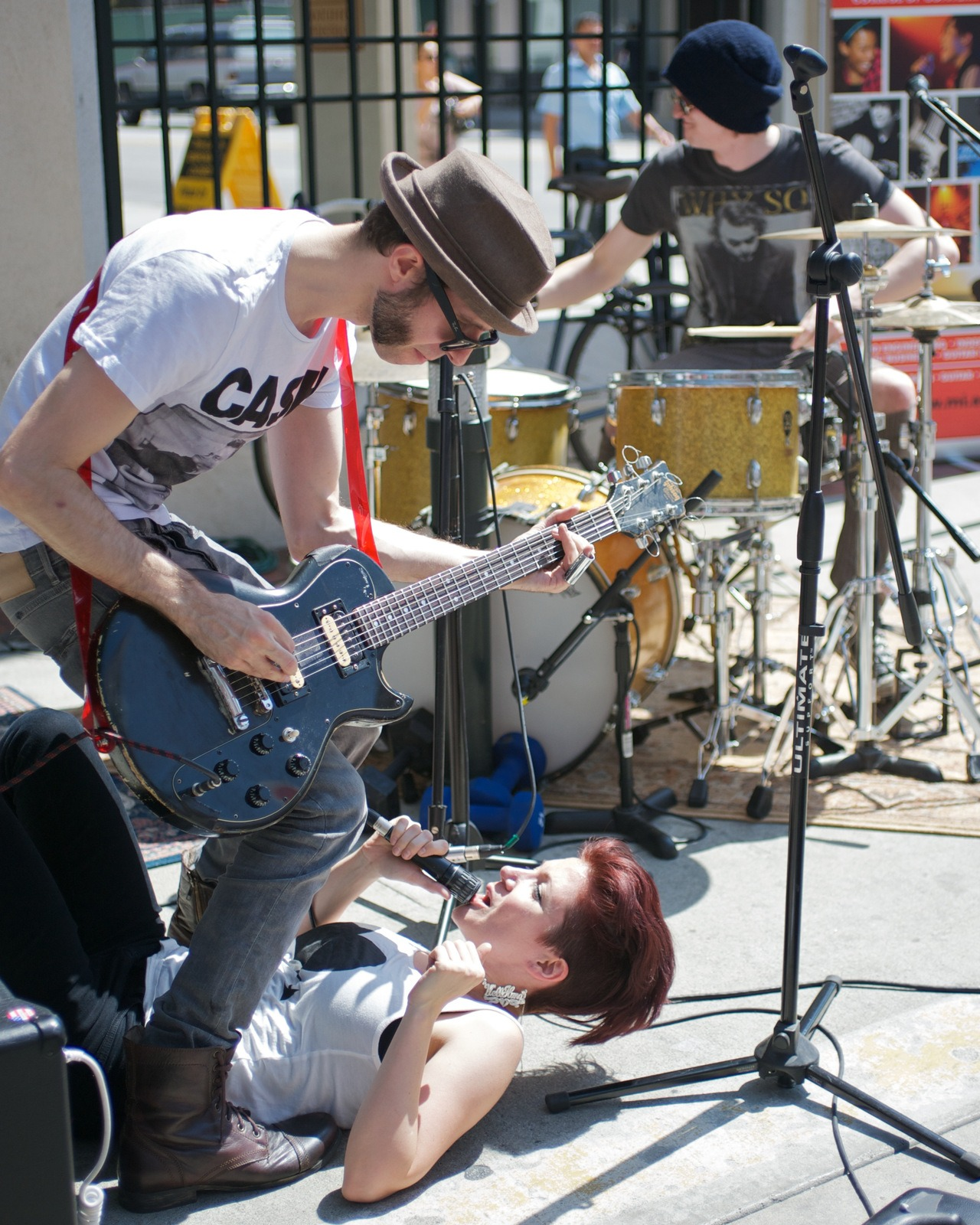 irockphotos :     Well Hung Heart was one of my personal favorites at the Make Music Festival. Robin Davey on guitar and Greta Valenti on lead vocals with Phil Wilson on drums at the Pasadena Make Music Festival in Old Town Pasadena.     http://www.wellhungheart.com/     http://irockphotos.net/    © Guillermo Prieto 2012