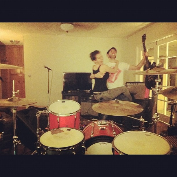 In rehearsal for our show at  TOMMY'S PLACE  USC LOS ANGELES  TUESDAY OCTOBER 30th   9pm FREE. ALL AGES