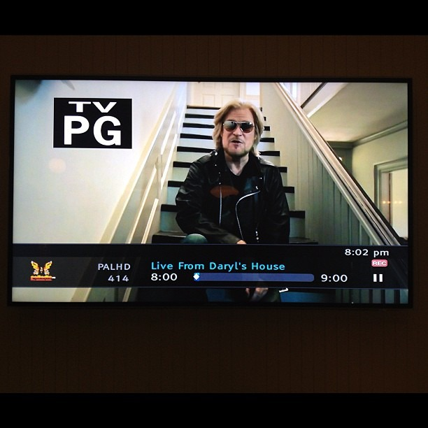 Airing on Palladia now - Live From Daryl's House (Daryl Hall's TV show). Directed by Robin Davey, produced by Greta Valenti. :)