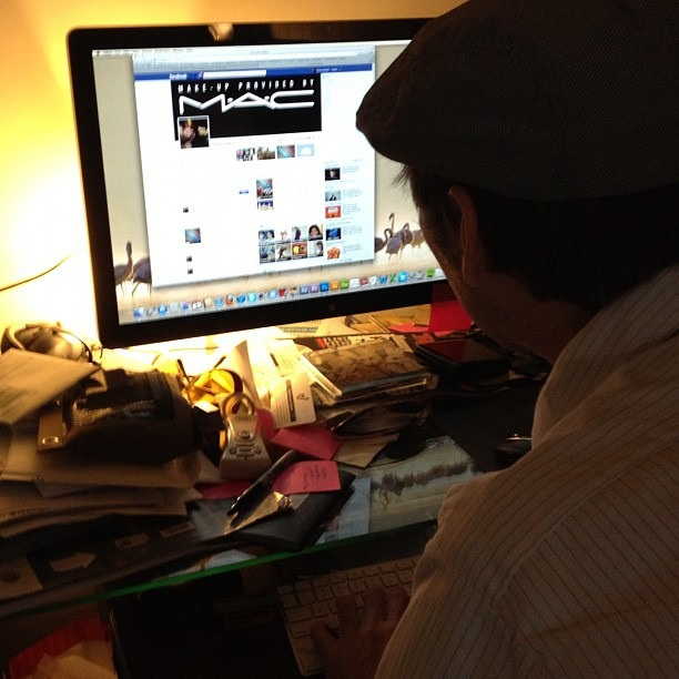 Keith Lowelll Jensen is hacking my Facebook… So I am instagramming him faceraping my page