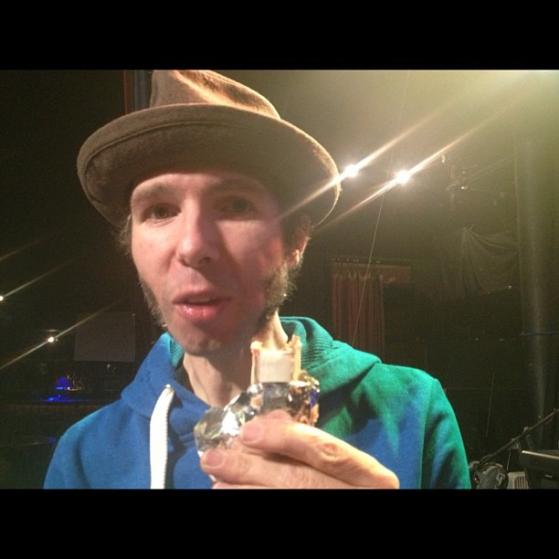 @robindavey eating during his mic check… How rude!?