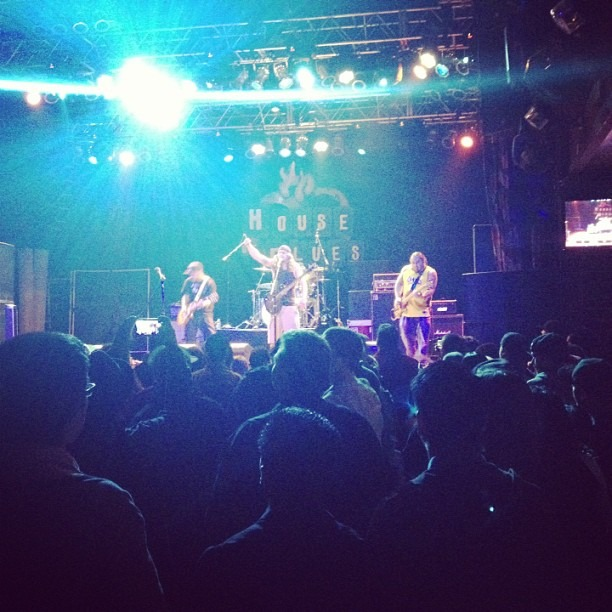 Solution got Anaheim HOB feeling the West Coast Party vibes!! @chrisdorame (at House of Blues Anaheim)