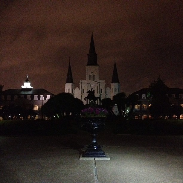 #beautiful #neworleans #night #nofilter #stlouiscatherdral (at Jackson Square)