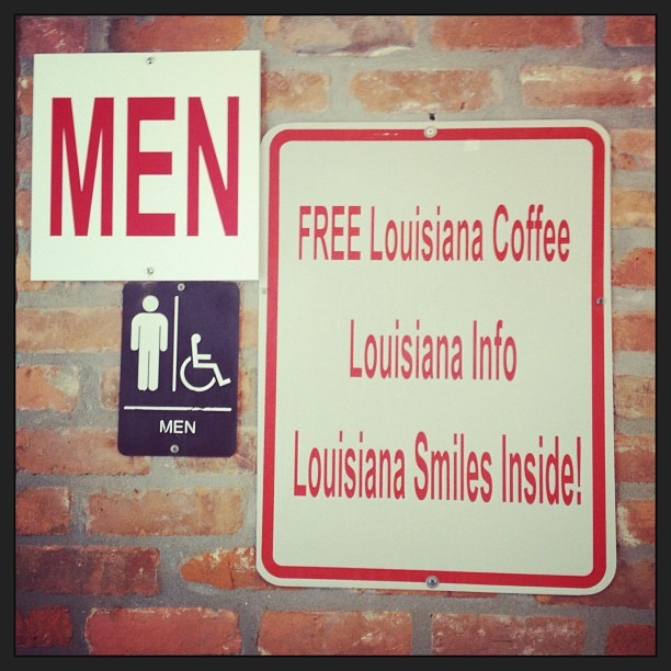 They sure are friendly in #louisiana #mens #bathrooms … #freesmiles  (at Atchafalaya Welcome Center)