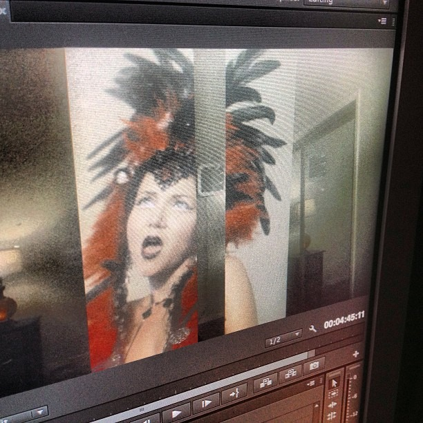 Putting on the final touches! This @wellhungheart #musicvideo will release #TONIGHT !!  (at GROWvision Studios)
