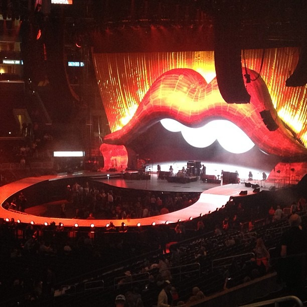 #therollingstones #20min #showtime #50 #grrr #staplescenter #expensive #tickets #OnceINALifetime (at STAPLES Center)