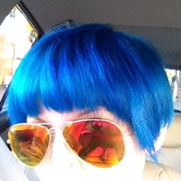 Gots ma hair did again. Yay. #HalloweenEveryday #BlueHair #BlueBob #IonBrilliance #Aqua #SkyBlue #Fringe #HappyHalloween #yall @wellhungheart