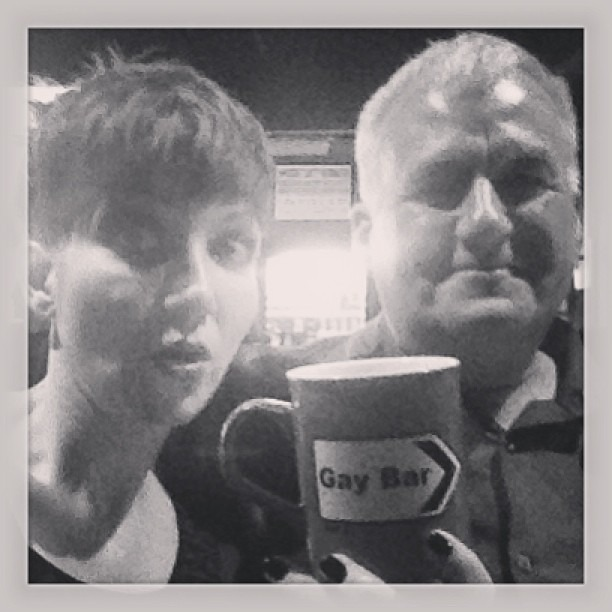 No1 fan and friend Jim gave me this amazing mug at our show tonight. #gaybar #electricsix #thankyou #soawesome