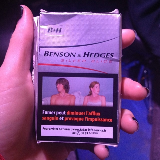 @philwilsonmusic thought that this French warning on cigarettes means that smoking is sexy…. I'm pretty sure thats incorrect.