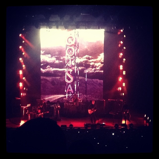 @QueensOfTheStoneAge begin now in #Vegas !!! Whoo hoo! (at Hard Rock Hotel & Casino)