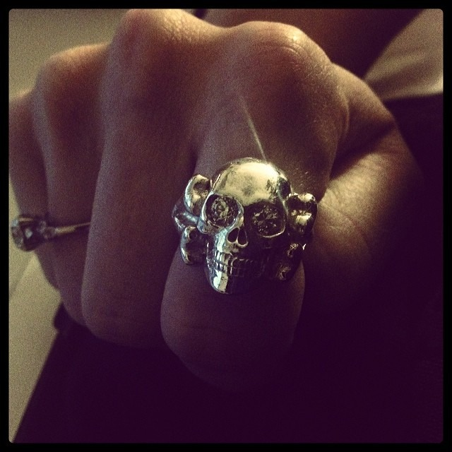 My now customized @bloodymarymetal #SkullRing !!! #rocknroll Best Birthday and Hubby ever! @therobindavey