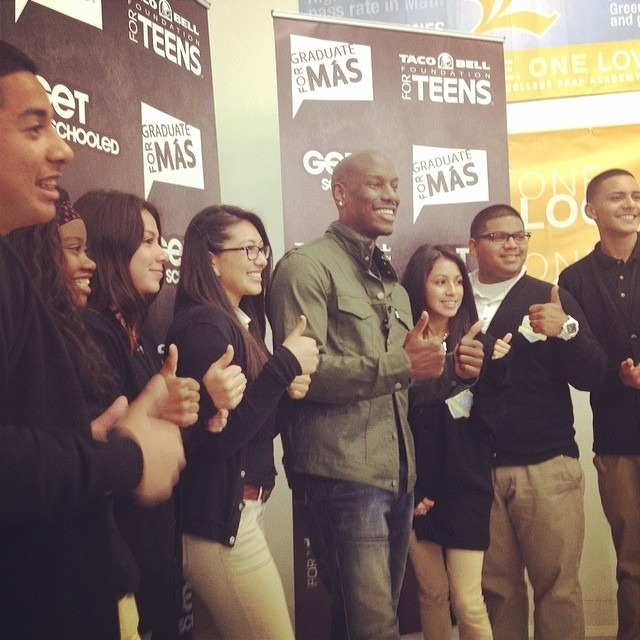 #TyreseGibson inspiring and congratulating the students of #Locke High School for 100% of kids pledging to graduate for @tacobell 's #GraduateForMas program. #inspired @growvision