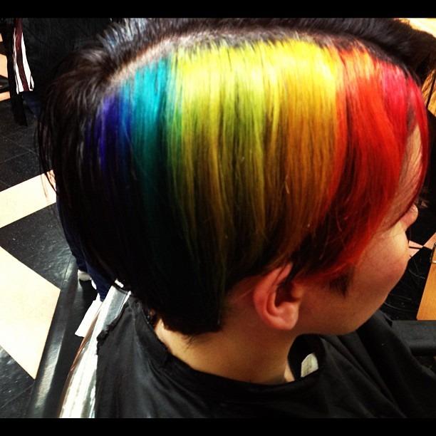 Rainbow hair!!!!! Love it!!! @taragouveia  (at Diamonds Salon)
