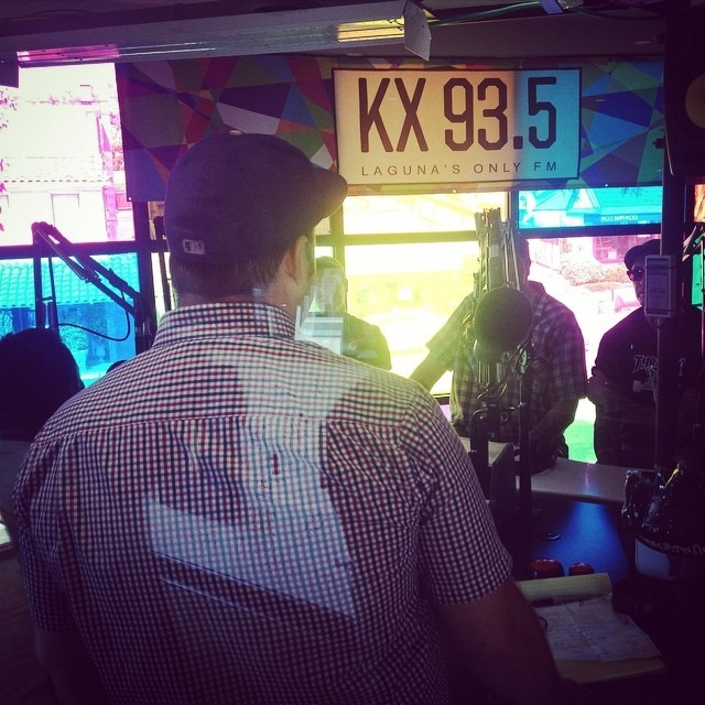A lovely sunday afternoon in #LagunaBeach at @kx935 with Jimmy, Mike and #TheVooDooGlowSkulls ! #tnnradio #kx935 @tnn_radio_kx935