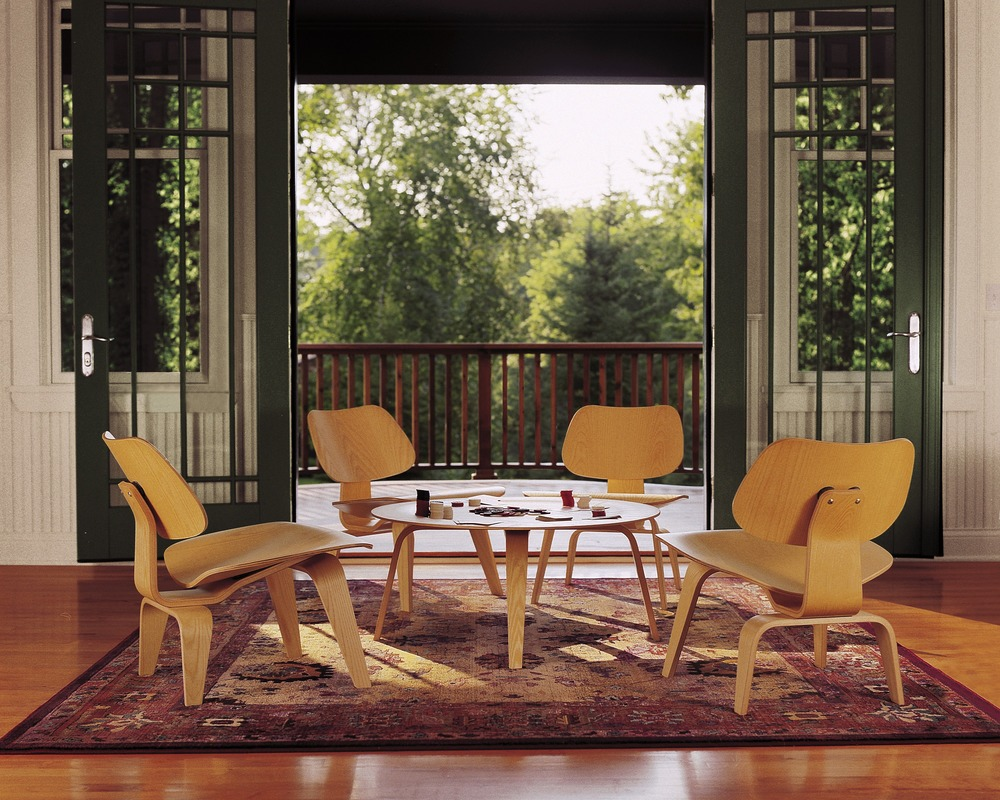 Superbe EAMES MOLDED PLYWOOD CHAIR WOOD BASE