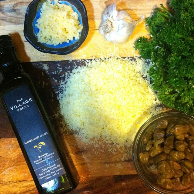 Spaghetti aglio e olio on the table tonight. If you love garlic you love this👌( translates to #spaghetti with oil and garlic ).. Using our favourite #olive #oil, #parsley, #capers, #Parmesan and TopShelf #garlic crush. Done.