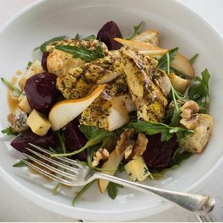 Hey fancy pants- our pomegranate and verjuice vinaigrette is in next weeks gourmet food bag. Better get yourself some ! 😘 #myfoodbag #mfb #nzfood
