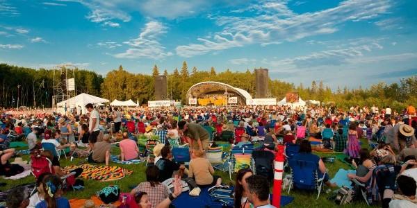 photo by Winnipeg Folk Festival