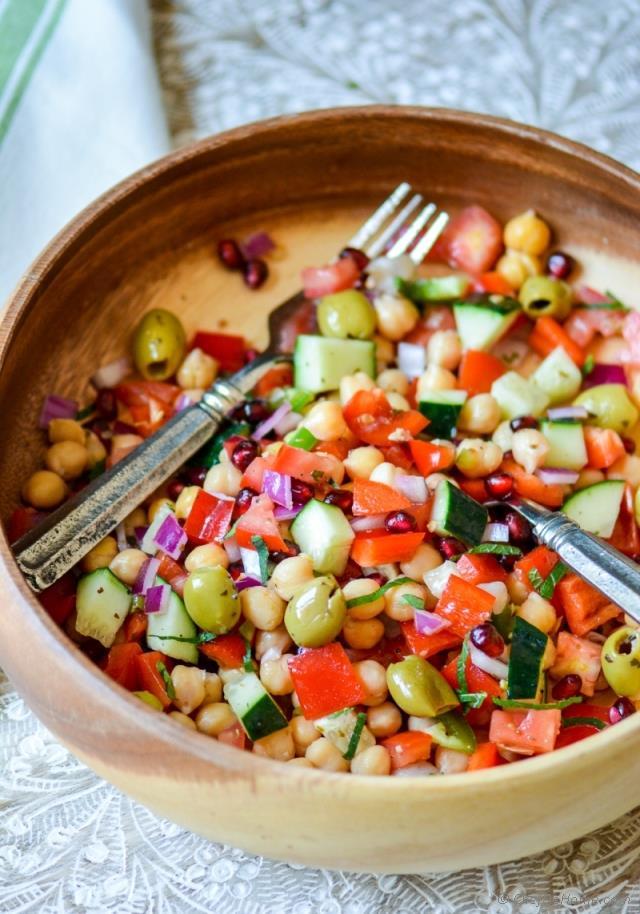 mediterranean-chickpeas-salad-citrus-dressing-chefdehome-2.jpg