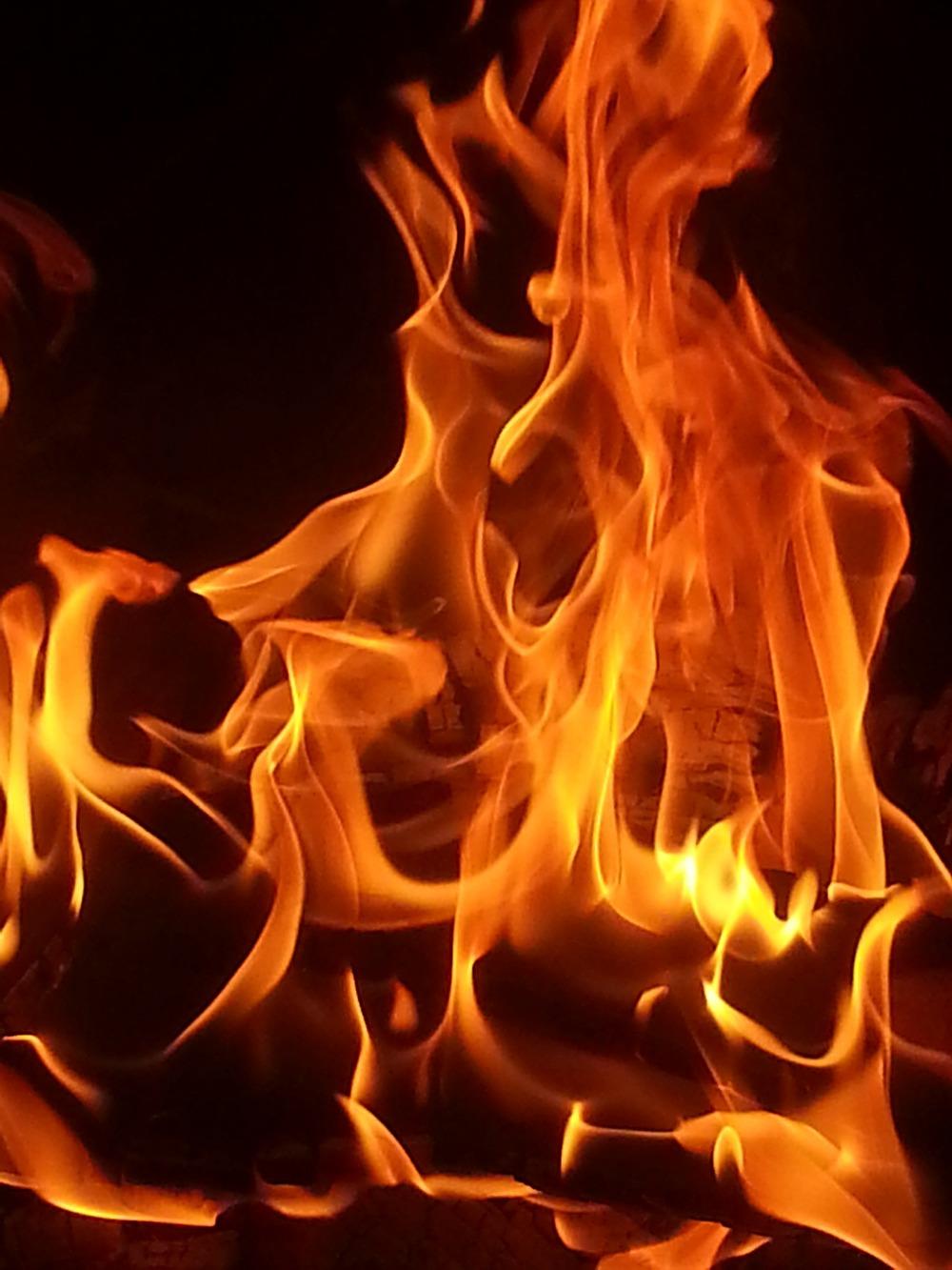 fire_burn_flames.jpg