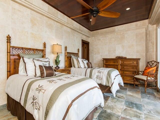 Bedroom-Suite-4_640x480_2130181.jpg