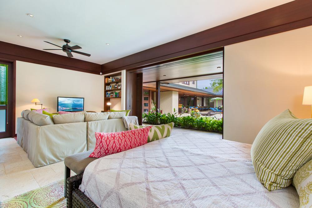 Photo-123 Kailuana-Bedroom Suite 6-711.jpg