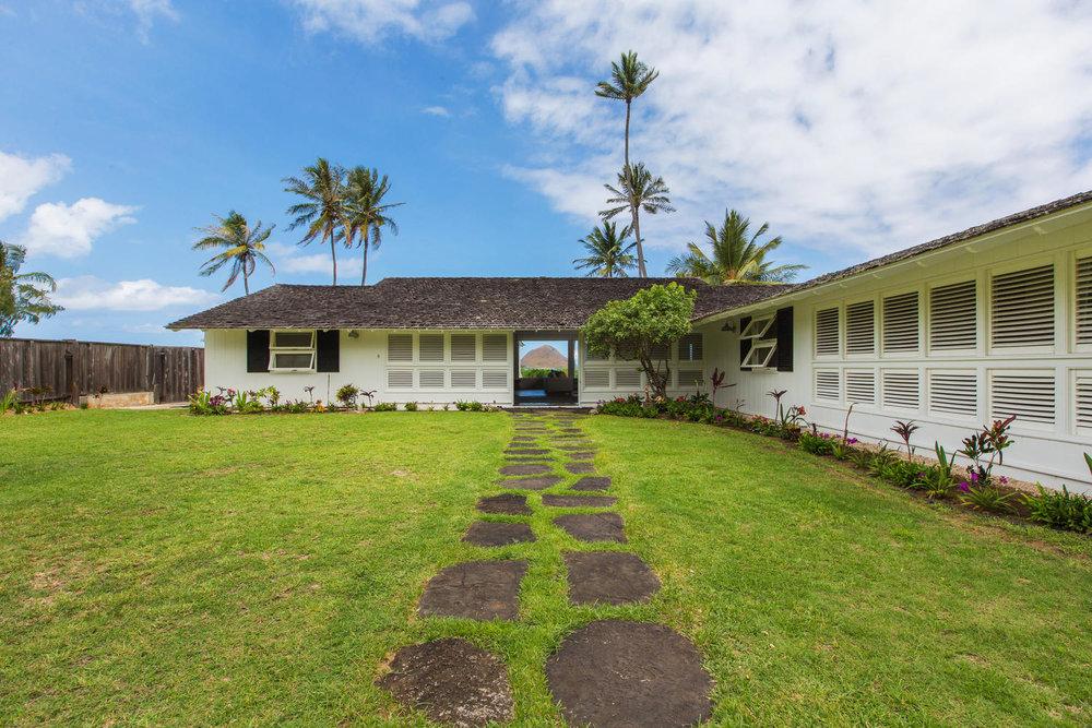 1502 Mokulua Dr Kailua HI-large-002-40-Exterior-1500x1000-72dpi.jpg