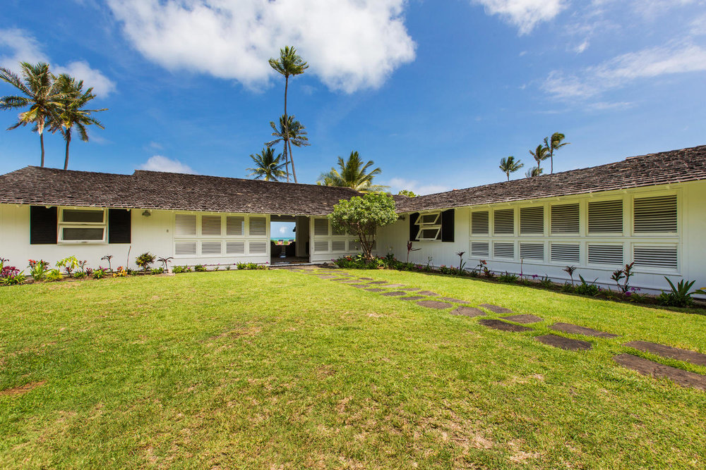 1502 Mokulua Dr Kailua HI-large-001-54-Exterior-1500x1000-72dpi.jpg
