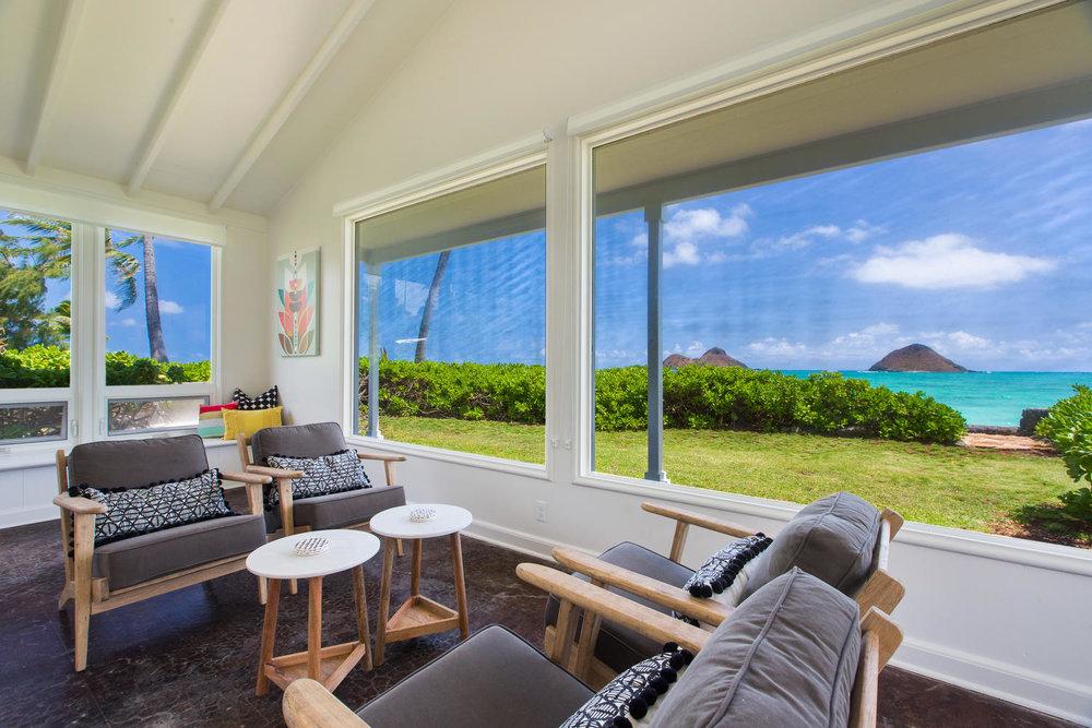 1502 Mokulua Dr Kailua HI-large-011-42-Family Room-1500x1000-72dpi.jpg