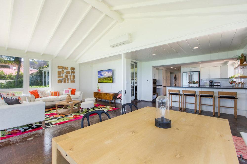 1502 Mokulua Dr Kailua HI-large-012-38-Family Room-1500x1000-72dpi.jpg