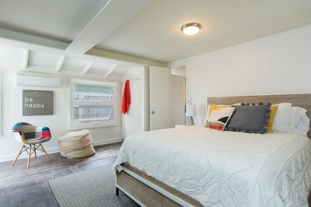 1502 Mokulua Dr Kailua HI-large-018-36-Bedroom-1500x1000-72dpi.jpg