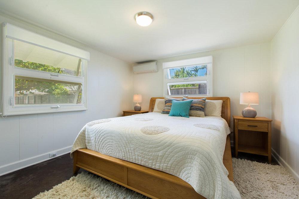 1502 Mokulua Dr Kailua HI-large-020-31-Bedroom-1500x1000-72dpi.jpg