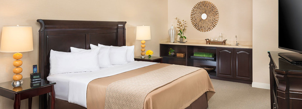 ayres-hotel-orange-accommodations.jpg