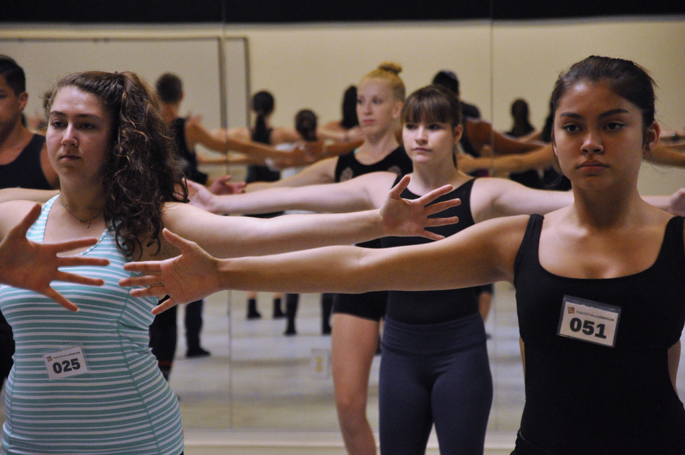 Dancers from the 2015 programs executing class work with focus. Photo © Taryn Ka'iulani