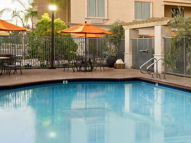 Ayres Hotel Pool