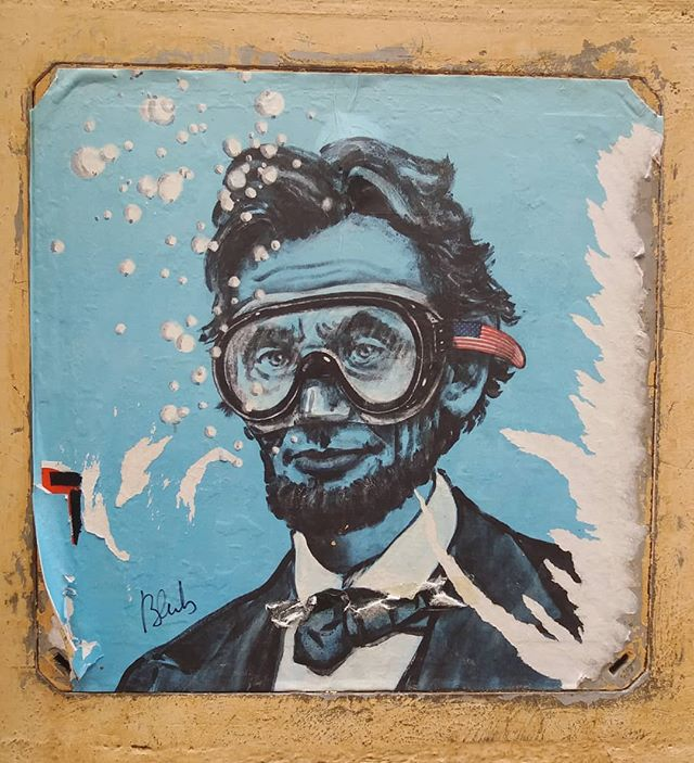L'arte di Blub a Firenze. Everytime I visit Firenze artist Blub has a new character plastered to the walls with a snorkel on. I'm sure my American friends will appreciate this one too! #deepwater #abe #firenze #streetart #blub