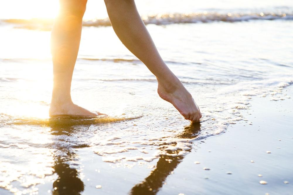 feet_sand_1_220x146.jpg