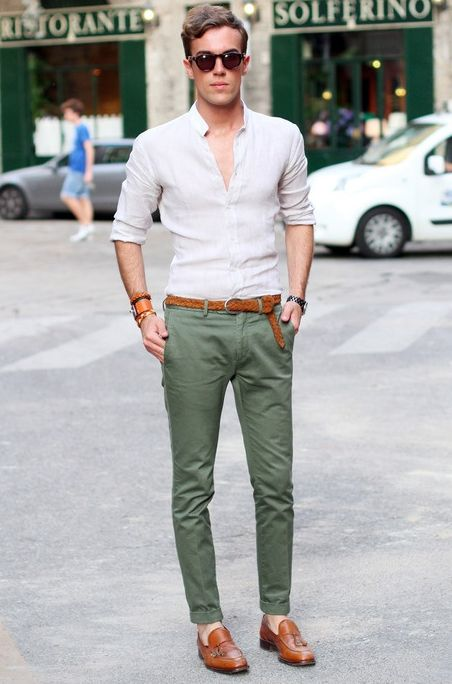 Good example of split-complimentary color shoes and jeans/pants.