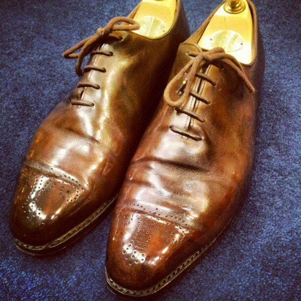 This is a wholecut from Berluti, which is one of the best shoe brands. Creasing just happens.